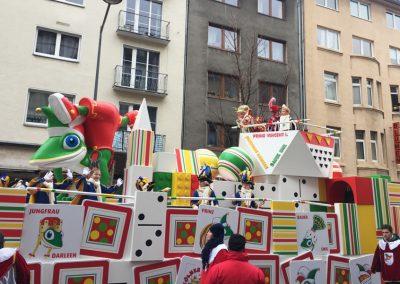 Gestalteratelier Konzeption Kinderdreigestrin Koelner Karneval Wagenbau